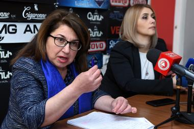 Former MP Armenuhi Kyureghyan and former member of the NA Standing Committee on Human Rights Elinar Vardanyan gave a press conference in Hayeli press club - Photolure News Agency