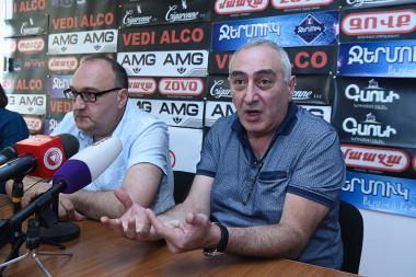 Political technologist Karen Kocharyan and psychologist Samvel Khudoyan are guests in Hayeli press club - Photolure News Agency