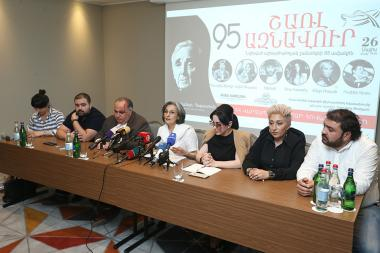 RA Acting Minister of Culture Nazeni Gharibyan and director of the Sports and Concert Complex after K. Demirchyan Karen Ghazaryan gave a press conference ahead of the concert dedicated to the 95th anniversary of Charles Aznavour - Photolure News Agency