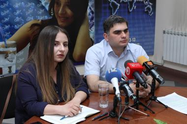ARF Bureau's Economic Research Officer Suren Parsyan and member of 'Alarm' public youth movement's coordinating group Kristine Vardanyan are guests in Henaran press club - Photolure News Agency