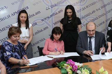 Signing of the trilateral memorandum on 'Capacity Building and Centers' Methodological Support for the Development of Network of Victim Assistance Centers in Armenia' took place at the RA Ministry of Labor and Social Issues - Photolure News Agency