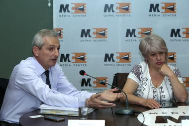 Chairman of the Committee to Protect Freedom of Expression Ashot Melikyan, Director of 'Tsayg' TV Company Margarita Minasyan and advocate Ara Ghazaryan are guests at the Media Center - Photolure News Agency