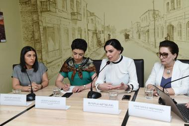 A discussion on the topic of 'Public Transport Problem in Yerevan' took place in 'Article 3' press club - Photolure News Agency