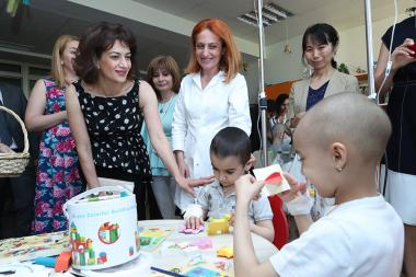 Cranes donation ceremony took place within the framework of 'Cranes of Light' project at the Hematology Center after prof. Yolyan - Photolure News Agency