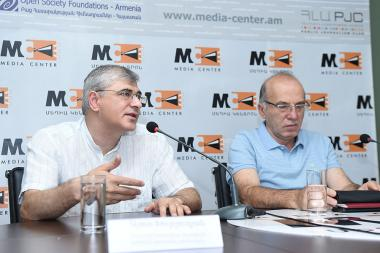 Expert of International Center for Human Development Ashot Khurshudyan end economist Tatul Manaseryan gave a press conference at the Media Center - Photolure News Agency