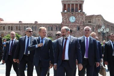 RA Prime Minister Nikol Pashinyan and European Commission President Donald Tusk take a walk on the Republic Square of Yerevan, Armenia - Photolure News Agency