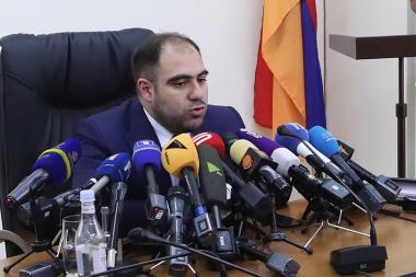 Deputy Minister of Territorial Administration and Infrastructure Hakob Vardanyan holds an urgent press conference on the power outage in Yerevan, Armenia - Photolure News Agency