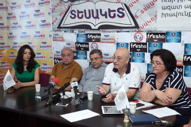 Director of the Institute of Archeology and Ethnography of the RA NAS Pavel Avetisyan, Head of 'Zorats Karer' historical and cultural reserve's archaeological expedition Ashot Piliposyan and Hripsime Harutyunyan are guests in Tesaket press club - Photolure News Agency