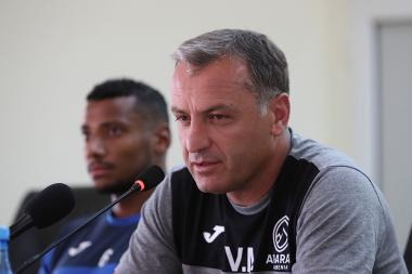 Head coach of the Ararat Armenia Football Club Vardan Minasyan gives a press conference - Photolure News Agency