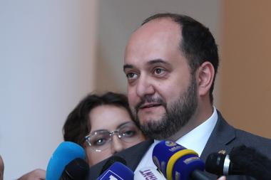 Ministry of Education, Science, Culture and Sport Arayik Harutyunyan holds a briefing after the RA Government's session - Photolure News Agency
