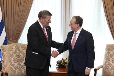 Foreign Minister of Uruguay Rodolfo Nin Novoa paid an official visit to Armenia - Photolure News Agency