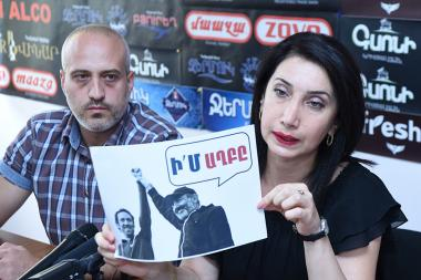 Members of 'Alternative City Hall' initiative Sona Aghekyan and Sargis Ter-Yesayan are guests in Hayeli press club - Photolure News Agency