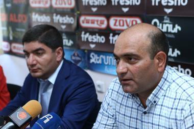 ARF Bureau's Economic Research Coordinator, economist Tadevos Avetisyan and economic expert Mesrop Manukyan are guests in Hayeli press club - Photolure News Agency