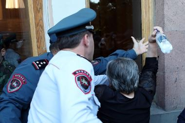 Mothers of killed soldiers hold a protest action in front of the RA Government's building in Yerevan, Armenia - Photolure News Agency