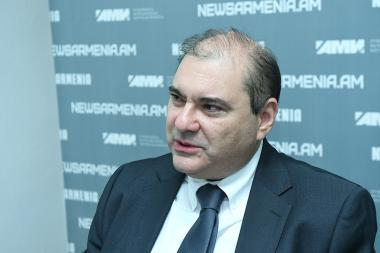 Head of the Armenian branch of the CIS Institute Alexander Markarov gave a press conference at the Novosti-Armenia press center - Photolure News Agency