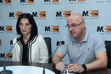 MHM0132945 - Photolure News Agency