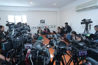 Vazgen Manukyan gave a press conference at the National Press Club - Photolure News Agency