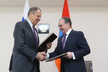 RA Minister of Foreign Affairs Zohrab Mnatsakanyan met Russian Foreign Minister Sergey Lavrov - Photolure News Agency