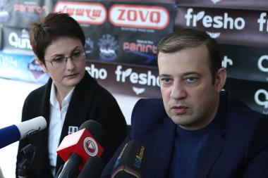 Member of the 'Adequate' NGO Initiative Lika Tumanyan and leader of the Reformist Party Vahan Babayan are guests in Hayeli press club - Photolure News Agency