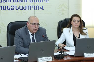 Chairman of the RA Public Services Regulatory Commission Garegin Baghramyan and other members of the commission give an end-of-year press conference - Photolure News Agency