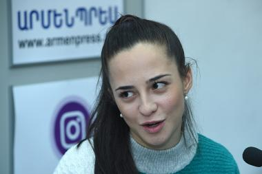 Head of the Civil Aviation Committee Tatevik Revazian gives a press conference at the 'Armenpress' state news agency - Photolure News Agency