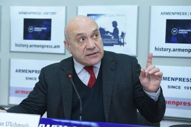 Chairman at Committee to Protect Freedom of Expression Ashot Melikyan gave a press conference at the 'Armenpress' state news agency - Photolure News Agency