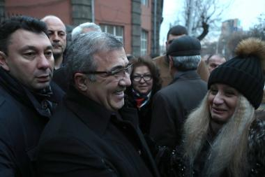 Supporters of the former president of the Football Federation of Armenia Ruben Hayrapetyan hold a protest action in front of the RA Police building - Photolure News Agency