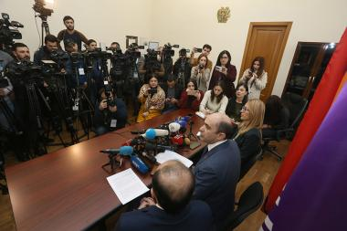 Members of 'Bright Armenia' faction give a press conference at the RA National Assembly - Photolure News Agency