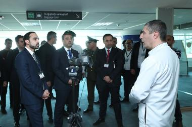RA Deputy Prime Minister Tigran Avinyan gets acquainted with the prevention activities of coronavirus at 'Zvartnots' international airport - Photolure News Agency