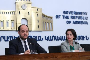 RA Minister of Education, Science, Culture and Sport Arayik Harutyunyan and Deputy minister Zhanna Andreasyan gives a press conference at the RA Government's press center - Photolure News Agency