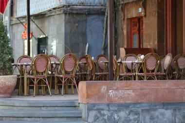 Restaurants and cafes are closed due to coronavirus (COVID-19) concerns in Yerevan, Armenia - Photolure News Agency