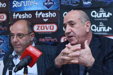 Psychologist Mihrdat Madatyan and leader of the 'National Security' party Garnik Isagulyan are guests in Hayeli press club - Photolure News Agency