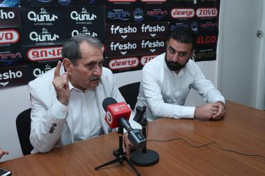 Member of 'Adekvat' party Konstantin Ter-Nakalyan and politician Gurgen Yeghiazaryan are guests in Hayeli press club - Photolure News Agency
