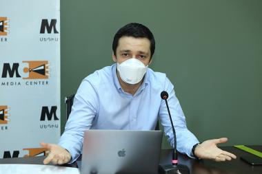 ASUE former acting rector Ruben Hayrapetyan gives a press conference at the Media Center - Photolure News Agency