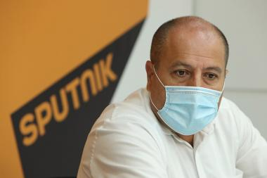 RA second president Robert Kocharyan's advocate Hayk Alumyan gives a press conference at the Sputnik Armenia Media Center - Photolure News Agency