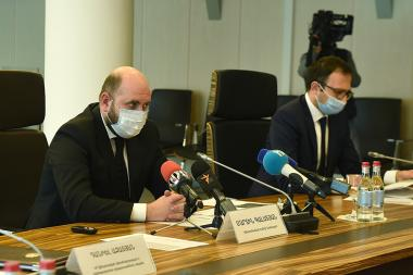 Chairman of the RA Central Bank Martin Galstyan gives a press conference - Photolure News Agency