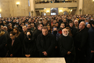 Protesters of 16 opposition parties demand RA PM Nikol Pashinyan's resignation during a protest march heading to the St. Grigor Lusavorich Church of Yerevan, Armenia - Photolure News Agency
