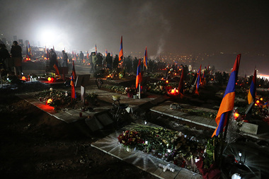 'Tovmasyan' Charitable Foundation initiated a candlelight ceremony in memory of our heroes who fell during the war in Artsakh at the Yerablur military pantheon - Photolure News Agency