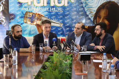 Representatives of 'Science' (Gituzh) initiative and Union of Advanced Technology Enterprises give a press conference in Henaran press club - Photolure News Agency