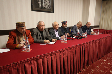 The coordinating committee of the 'Armenian Gathering' (Hayhavak) movement holds a press conference at Ani Hotel - Photolure News Agency