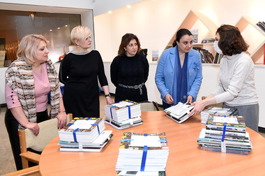 Interactive Learning Center of the Cafesjian Center for the Arts donated illustrated books to the libraries, educational institutions and museums of Artsakh and Armenia - Photolure News Agency