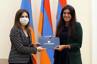 The solemn closing of the 'iGorts' 2020 program of Diaspora Armenian specialists and the ceremony of awarding certificates took place at the RA Government's reception house - Photolure News Agency