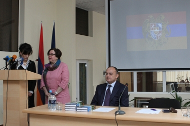 RA Minister of Defense Seyran Ohanyan pays a visit to the French University in Armenia - Photolure News Agency
