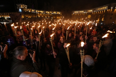 March with torches on the occasion of the Commemoration Day of Armenian Genocide victims began from the Republic Square to the Armenian Genocide memorial complex - Photolure News Agency