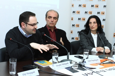 Head of 'Freedom of Information' center Shushan Doydoyan, 'Reporters for the Future' NGO's head Suren Deheryan and photojournalist Ani Gevorgyan gave a press conference dedicated to the World Press Freedom Day at the Media Center - Photolure News Agency