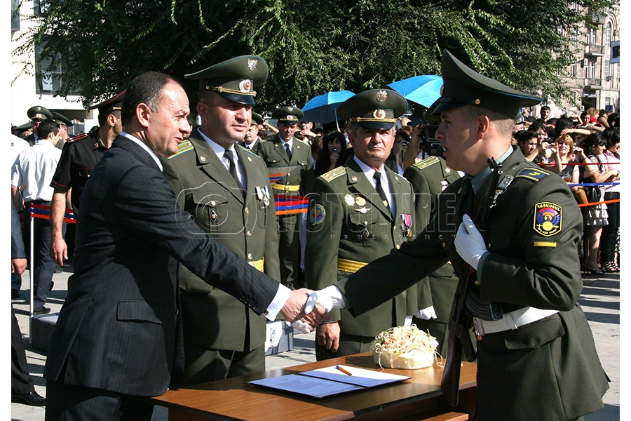 Solemn swear-in ceremony of the recruits of the Military