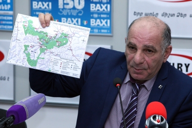 Head of the Bioresources Management Agency of the RA Ministry of Nature Protection Aram Aghasyan and head of the World Wildlife Fund's Armenian office Karen Manvelyan are guests in Armenpress press club - Photolure News Agency